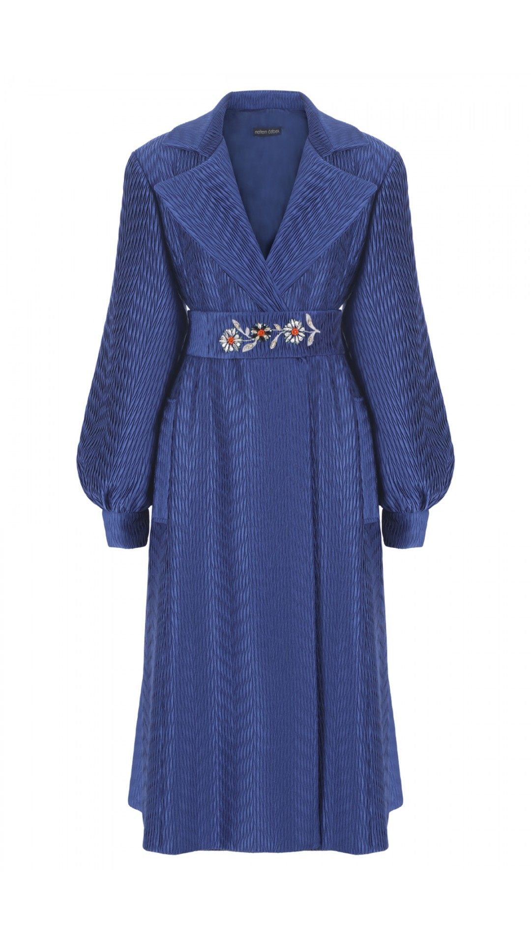 LONG PLEATED JACKET WITH EMBROIDERY