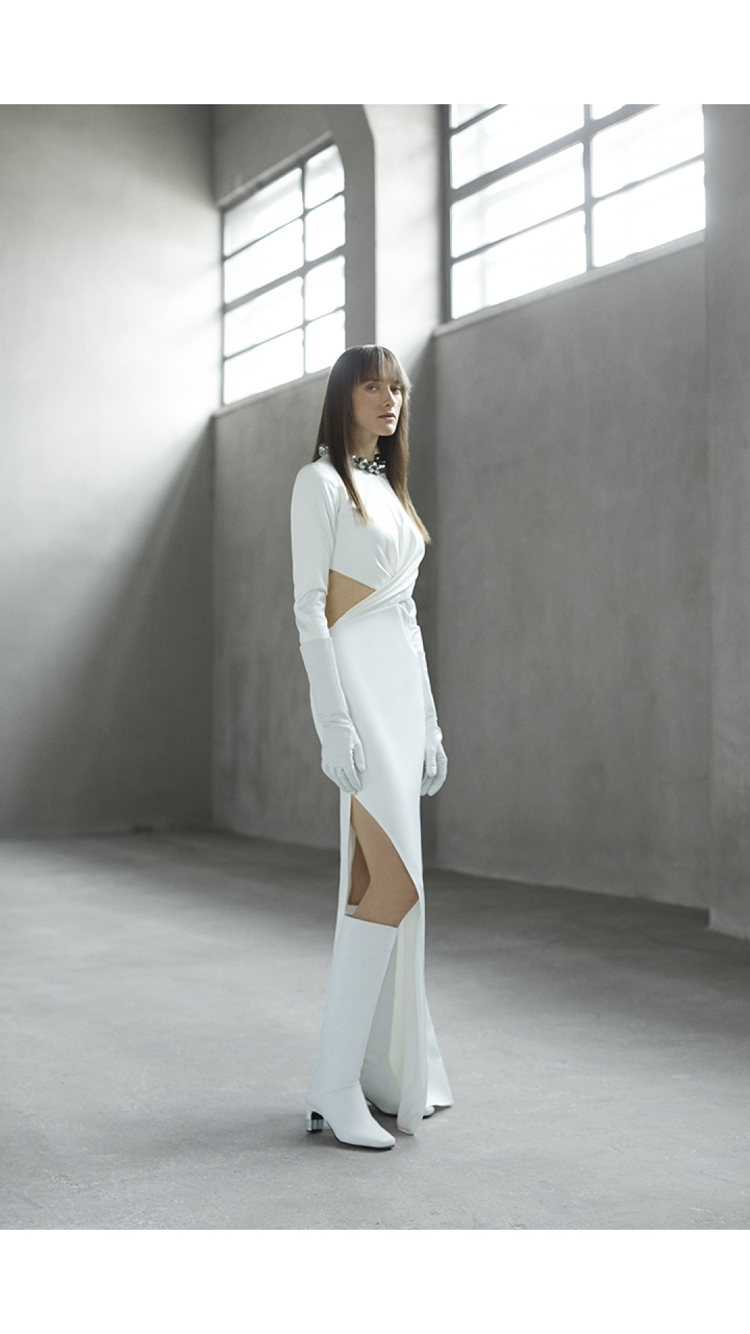 LONG DRESS WITH SPLIT DETAIL